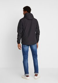 Lyle & Scott - OVERHEAD ANORAK - Light jacket - true black