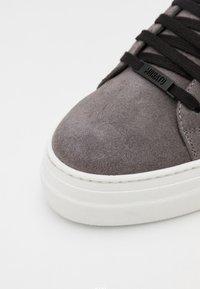Antony Morato - ZIPPER LACE UP PLATFORM SOLE - Zapatillas - london grey - 5