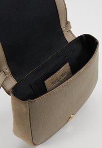 See by Chloé - HANA MINI - Across body bag - motty grey - 4
