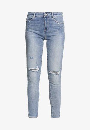 BETTIE - Jeans Skinny Fit - light blue