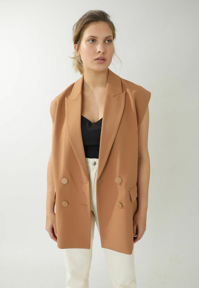 Pimkie - Waistcoat - orangebraun