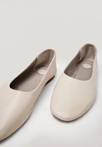 Massimo Dutti - Ballet pumps - beige - 6