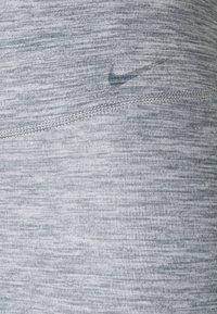 Nike Performance - ONE LUXE - Leggings - light smoke grey - 6