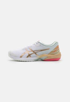 COURT SPEED FF - Chaussures de tennis toutes surfaces - white/champagne