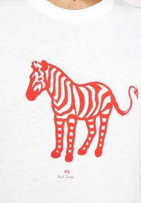 PS Paul Smith - MENS SLIM FIT DEVIL ZEBRA - Print T-shirt - white - 5