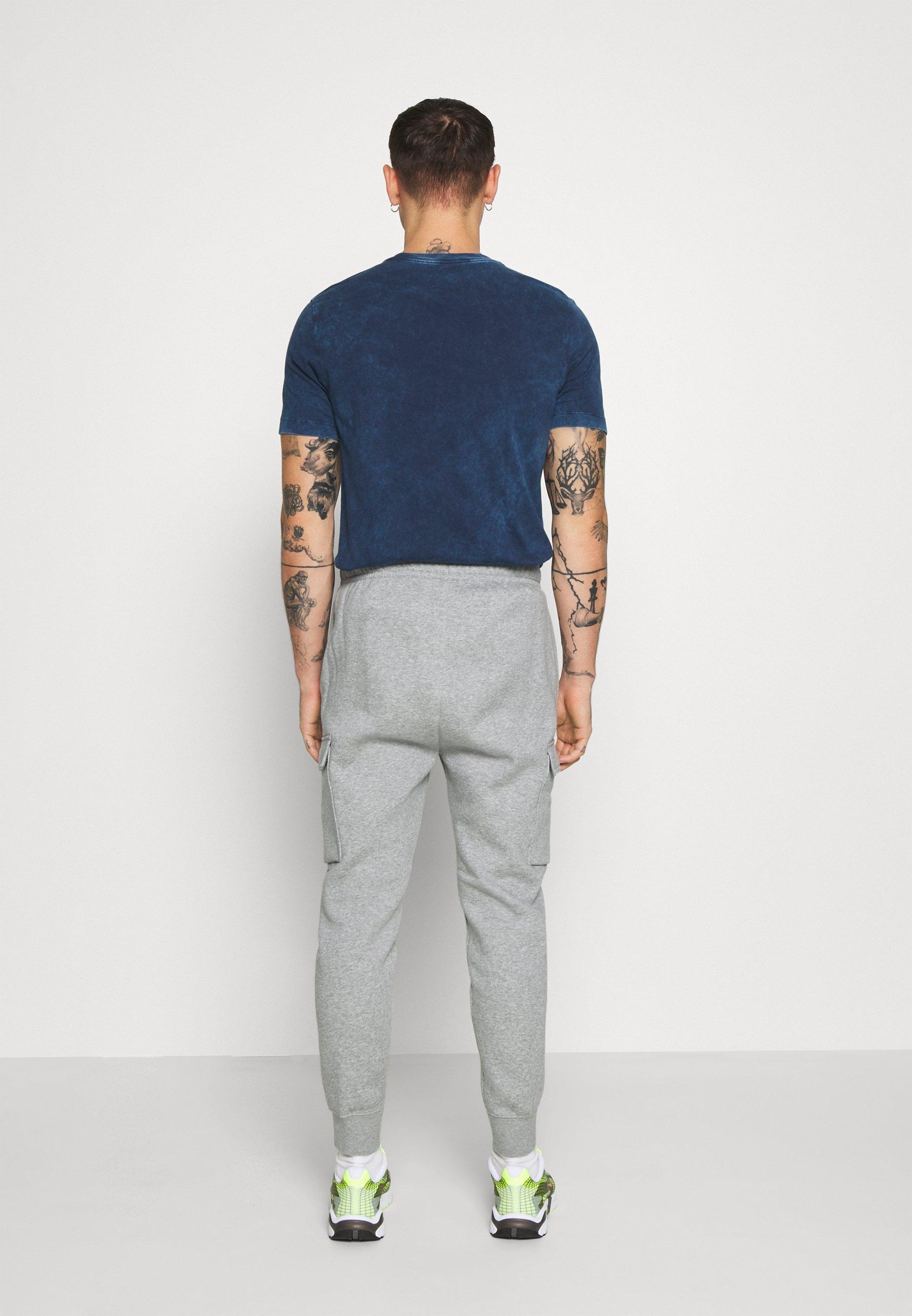 Nike Sportswear CLUB PANT  - Tracksuit bottoms - grey heather/matte silver/white ITRmJ
