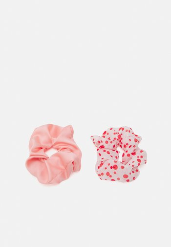 DOTTED SCRUNCHIE 2 PACK