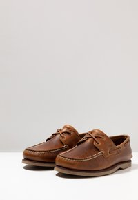 Timberland - CLASSIC 2 EYE - Boat shoes - medium brown - 2