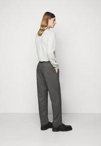 Won Hundred - CHASE - Trousers - black/grey - 2