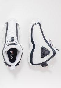 Fila - GRANT HILL 2 - Sneakersy wysokie - white/navy/red - 1