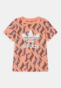 adidas Originals - ANIMAL TREFOIL - Print T-shirt - glow pink/multicolor/white - 0