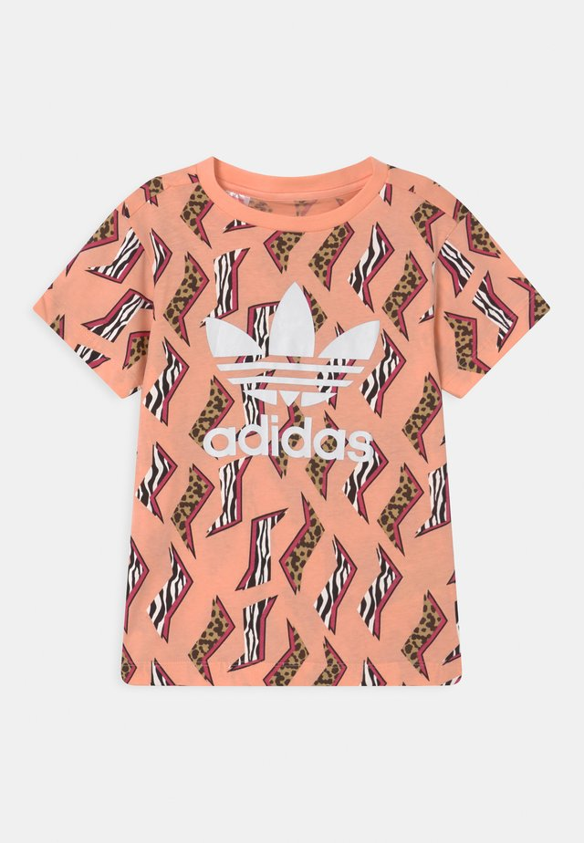 ANIMAL TREFOIL - Print T-shirt - glow pink/multicolor/white