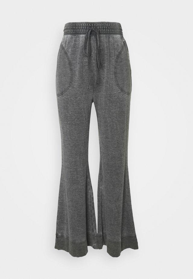 COZY COOL LOUNGE PANT - Træningsbukser - washed black