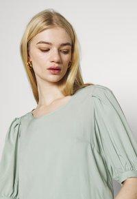 ONLY - ONLKARMA LIFE  SOLID - Basic T-shirt - jadeite - 4