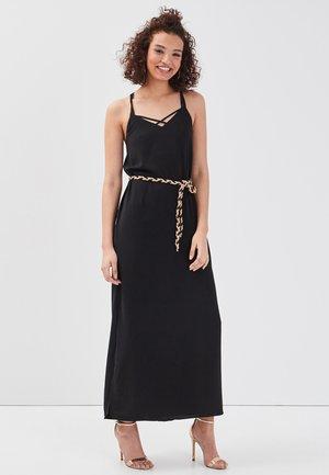 MIT AUSGEBREITETEM GÜRTEL - Maxi dress - black