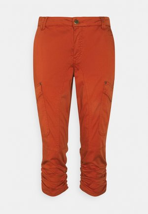 CUMILLE CAPRI PANTS MALOU FIT - Trousers - ketchup