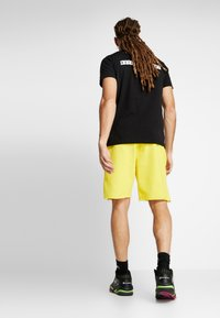 K1X - COLOR DISTRESSED  - Sportovní kraťasy - cyber yellow - 2