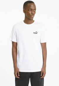 Puma - ESS SMALL LOGO TEE - T-shirt basic -  white - 0