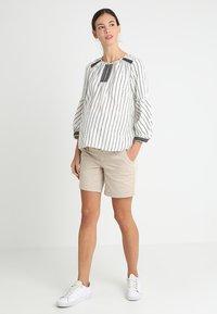 Noppies - SHORTS ORIT - Shorts - plaza taupe - 1