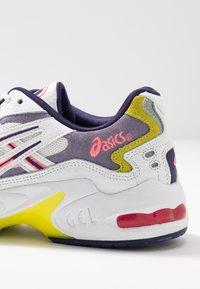 ASICS SportStyle - GEL KAYANO - Sneakers basse - white/purple matte - 2