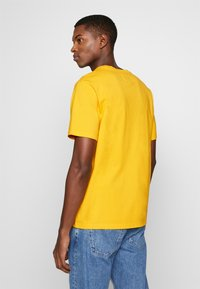 Bricktown - BOMB SMALL - Print T-shirt - yellow - 2
