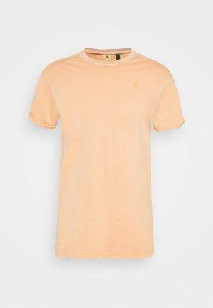 LASH - Basic T-shirt - warm liquid pink