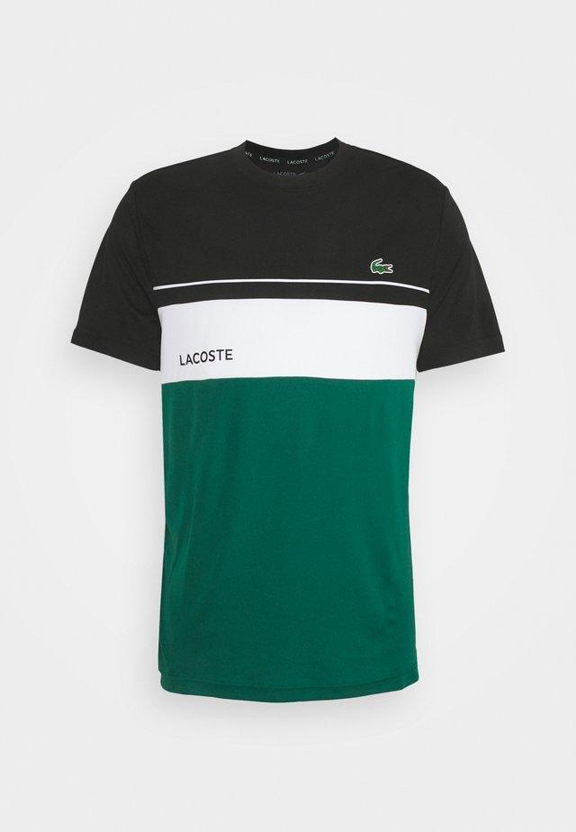 TENNIS BLOCK - T-shirts med print - black/bottle green/white