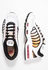 Nike Sportswear - AIR MAX TAILWIND - Sneakers - white/gym red/black/coral stardust/desert - 5