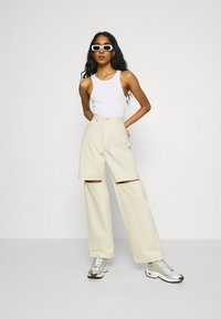Weekday - BRAE TROUSERS - Jeans straight leg - vanilla - 1
