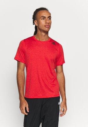 Basic T-shirt - scamel