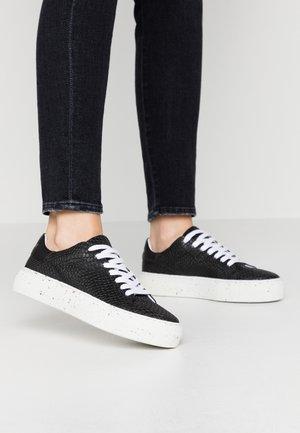VMEMMIE  - Zapatillas - black