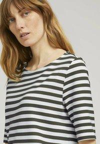 TOM TAILOR - Camiseta de manga larga - green horizontal stripe - 3
