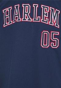 FUBU - ATHLETICS HARLEM  - Print T-shirt - navy - 2
