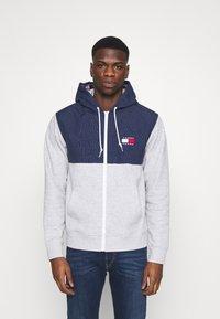 Tommy Jeans - CONTRAST ZIP HOODIE - veste en sweat zippée - grey - 0