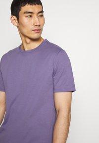 Tiger of Sweden - OLAF - T-shirt basique - purple air - 3