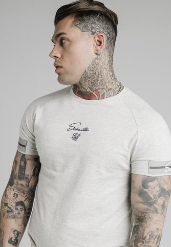 RAGLAN TECH TEE EXPOSED TAPE - Print T-shirt - light grey