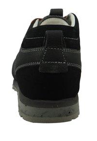 Aku - Hiking shoes - grey - 2