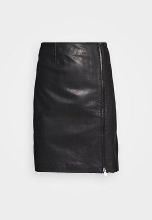 ZAVANNA SKIRT - Kožená sukně - black