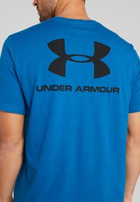 Under Armour - SPORTSTYLE BACK TEE - Print T-shirt - teal vibe/black - 4