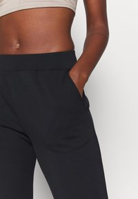 Even&Odd active - Tracksuit bottoms - black - 5