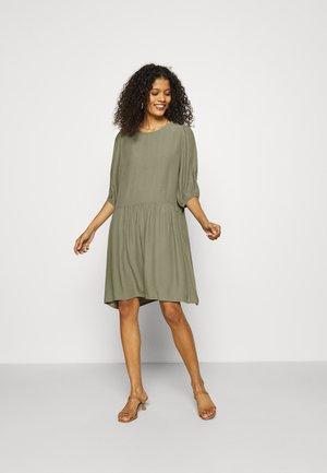 REYA - Denní šaty - green bay