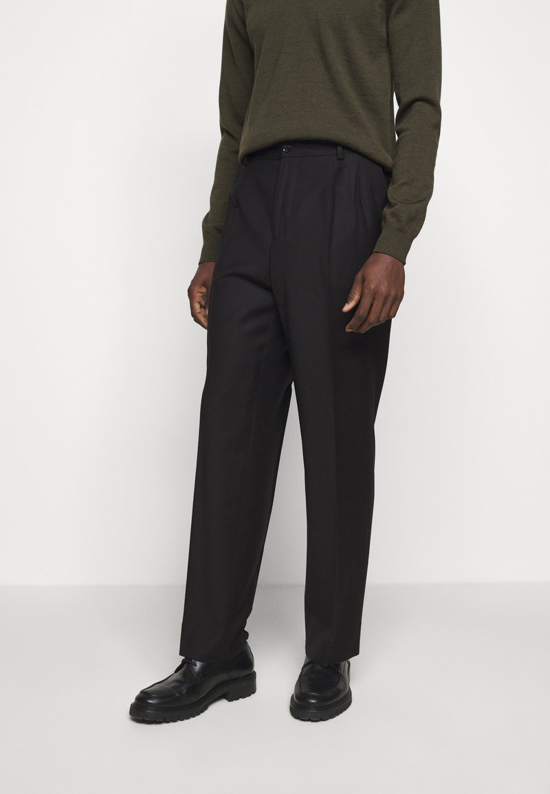 J.LINDEBERG - REMY PLEATED PANTS - Trousers - black