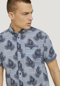 TOM TAILOR - Shirt - white navy leaf stripe design - 3