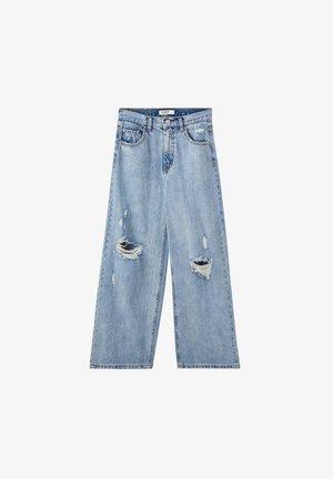 MIT ZIERRISSEN - Široké džíny - light blue