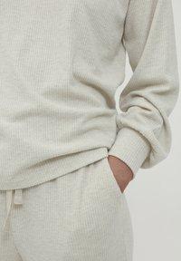 ICHI - KYLA - Maglietta a manica lunga - oatmeal melange - 2