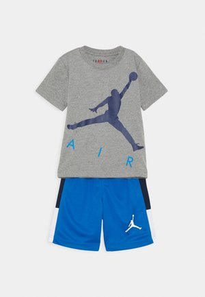 JUMPING BIG AIR TEE & SHORT SET - Survêtement - signal blue