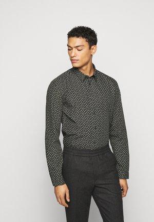 RUBEN - Shirt - grün
