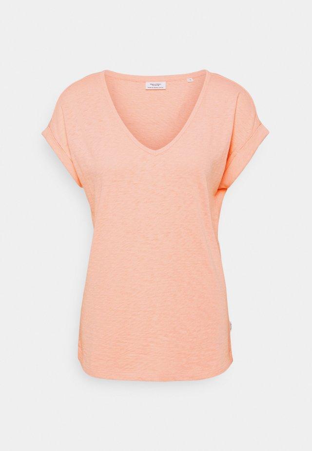 SHORT SLEEVE WIDE BODYSHAPE - Basic T-shirt - peach bud