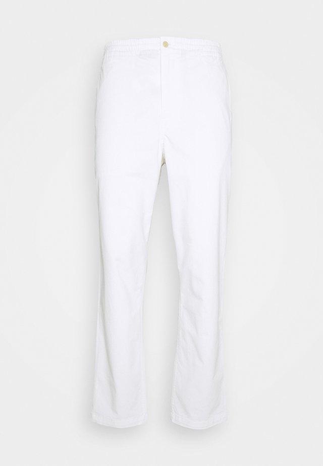 FLAT PANT - Chinos - white