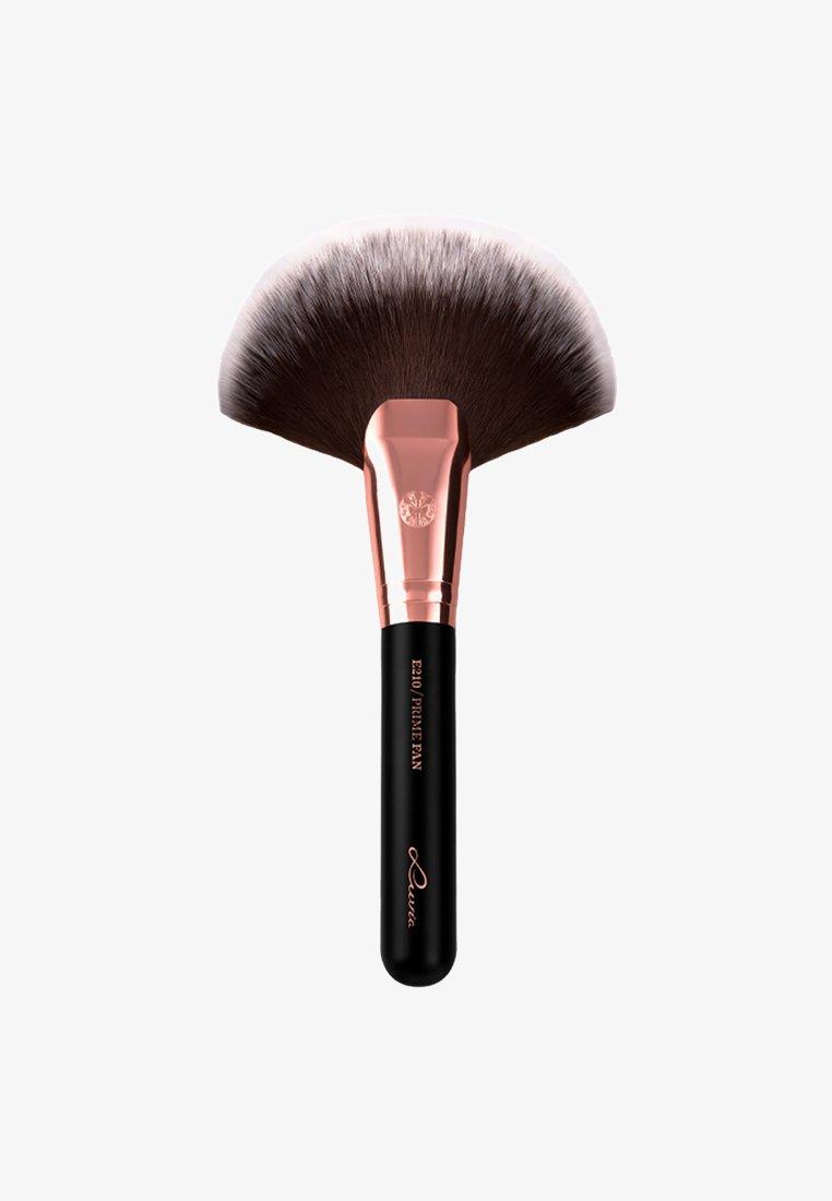 Luvia Cosmetics - PRIME FAN - Powder brush - black